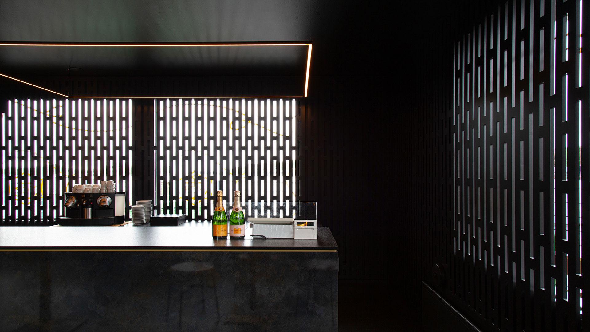 Madame Clicquot Champagne Bar